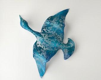 Metal wall art - Flying Bird - Home decor - wall sculpture -  wire mesh sculpture - Metal wall hanging