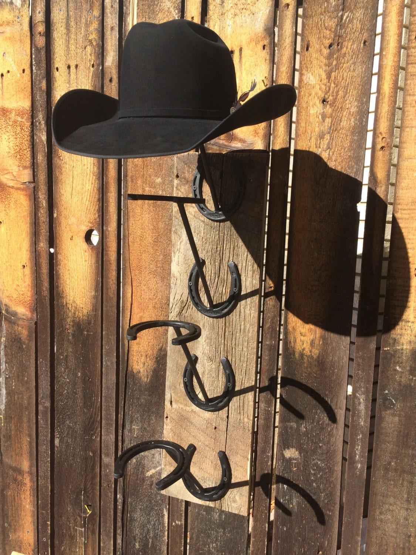 Herradura y granero de madera del estante del sombrero vaquero - Perchero para sombreros ...