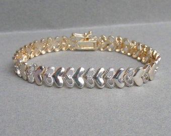 Pretty Vintage 1980's Sterling Silver Heart Link Bracelet