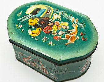 British MidCentury Vintage C.W.S Biscuits Tin 'EASTER bunny & chicks'