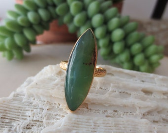 Jade ring. jade gold ring, green jade ring, green stone ring, gift for her