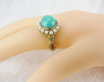 Exquisite Statement Ring In 14K Gold Turquoise and Pearls Fashion High End Cocktail Ring Vintage Jewelry Gift For Her Size 6 1/4