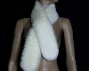 Vintage Faux Mink Collar// White Fur// Faux Fur// Designer // Fabulious Furs//