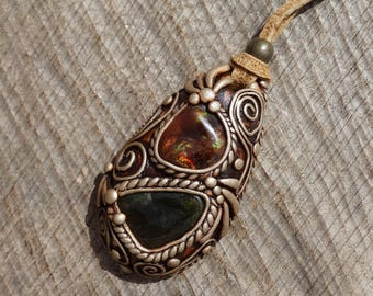 SHIPPING INCLUDED Green Vesuvianite and Fire Agate Pendant
