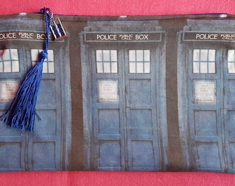 Doctor Who Tardis inspired zipped pouch
