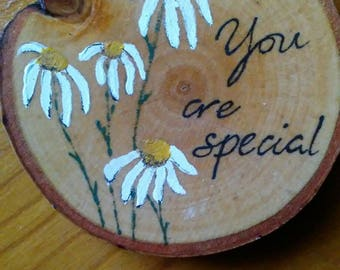 Wooden disc Daisy 'you are special' magnet. Kitchen decor, office decor. Teacher gift. Someone special gift.