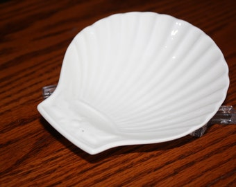 Mid Century Charles Pillivuy & Co.  White Shell Dish made in France