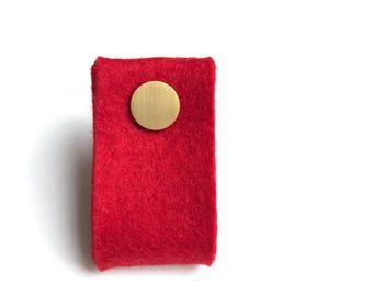 door handle in red