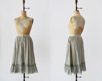 SALE New Meadow Skirt / 1970s Gunne Sax prairie skirt / vintage cotton floral ruffle skirt