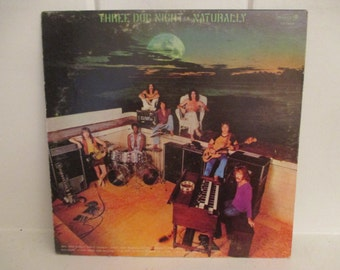 "1970s Dunhill Records Dsx-50088 THREE DOG NIGHT ""Naturally"" Lp Vinyl Record Includes ""Joy To The World"" & Poster"