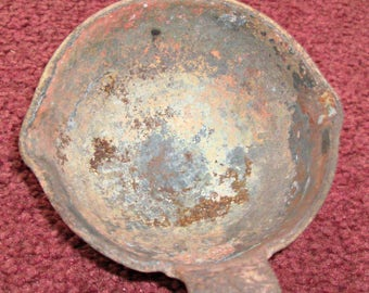 Vintage Cast Iron Smelting Pot Ladle