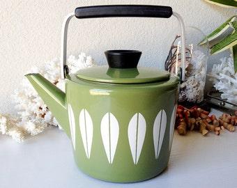 Vintage Cathrineholm teapot mid century modern enamal Norway tea kettle enamelware lotus coffee pot kitchen decor