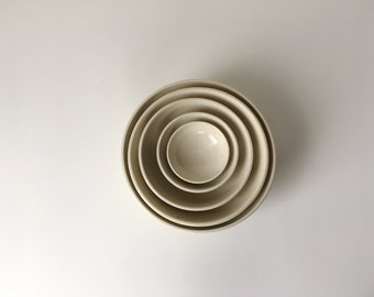 Small White Nesting Bowl Set