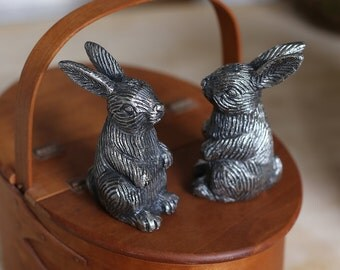 Vintage Rabbit Salt and Pepper Shakers, Bunny, Easter, Tablescape, Dinner, Serving, Home Decor, Silver Tone, Pewter Tone