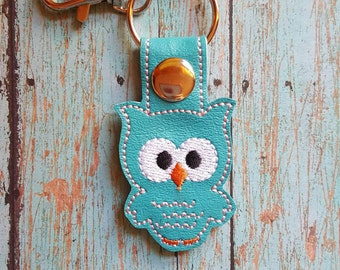 owl key chain, owl keyfob, vinyl key chain, embroidered keychain, custom keyfob, vinyl keys, cute owl, luggage tag, luggage strap