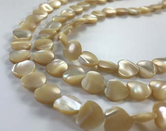 32 pcs 12 mm x 12mm  Mother Of Pearl  Heart Beads(1032-1)