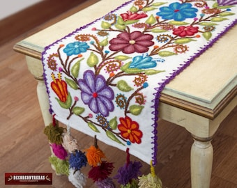"""White Table runner Sheep Wool """"Andean Purity"""" - Embroidered Floral Table Runners - Peruvian luxury table covers - Embroidery peruvian Textil"""