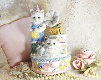 Cat Music box