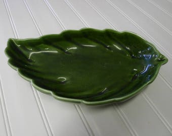 Leaf-shaped hand-painted ceramic bowl by Mancer (ITALY)