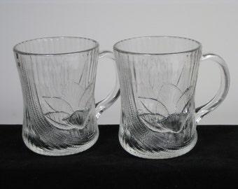 Vintage Arcoroc Canterbury Crocus design glass mugs-set of 2