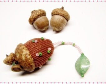 Cute As Can Be Acorn Sewing Needle Emery/Pin Cushion with Acorn Cap - ACORNB