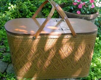 Vintage Basket, Storage Basket, Redmon Picnic Basket, Large Wicker Basket