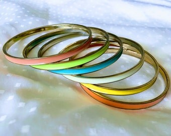 Vintage 80's metal and enamel bangles- set of 6- mod- vintage jewelry- bangle bracelets *FREE SHIPPING