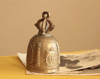 Vintage regal ornate brass dinner bell with scepter handle / small brass decor