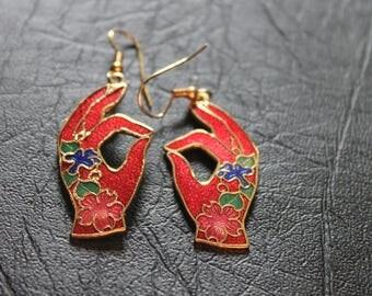 Vintage Retro Red Flowered Hand Asian Mendhi Inspired Enamelled Cloisonne Earrings c1980.   Perfect for Eid celebrations?