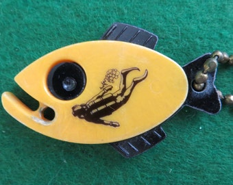 Rare 1950's Scuba Diving Celluloid Fish Shaped Advertising Key Chain - Chicago Oxygen - Free Shipping