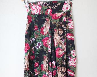vintage 1980's black rose culottes pants *