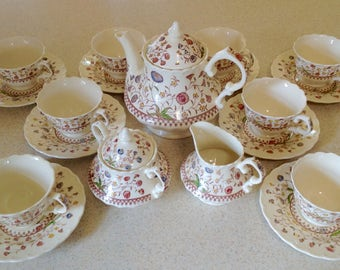 Vintage 1950's Vernon Kilns China Tea Set in Desert Bloom. Complete with 8 teacups and saucers.