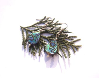 """""""Water"""" element: BO drop Abalone multicolor 4.2 cm high approximately"""