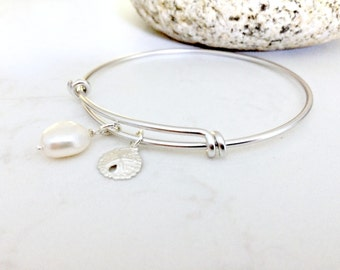 Pearl Bangle with Sand dollar Pearl Jewelry Sand dollar Bangle silver bangle Pearl Jewelry Bridesmaid Sets Beach Wedding June Birthstone