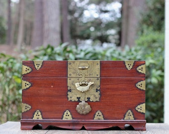 Large Vintage Maitland & Glascoe Wooden Keepsake Box with Brass Fish Lock / Wood and Brass Keepsake Box / Wooden Treasure Box / Treasure Box