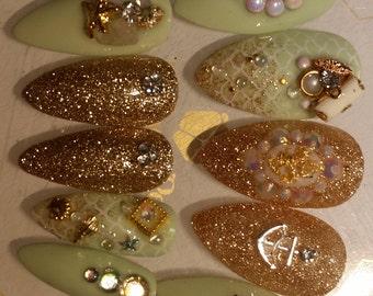Press on Nails Tiffany Mermaid Treasure Bubble Nail