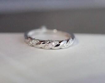 18kt White Gold Vintage Inspired Diamond Band For Wedding Anniversary Ring
