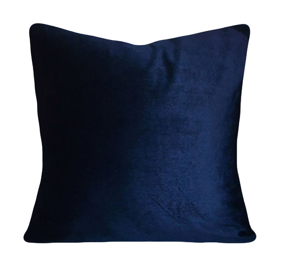 With our selection of decorative pillows in textured, embellished, solid and patterned designs, adding the final flourish to your look is simple. And don't forget about outdoor pillows, featuring UV-treated fabric.