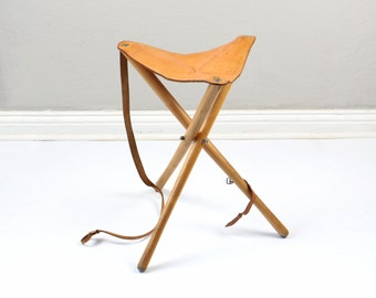 Vintage tripod stool, solid  leather stool, wooden stool, foldable stool, saddle chair, real leather seat