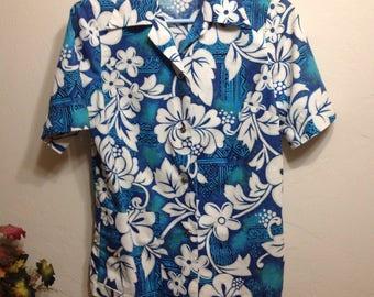 Vintage Royal Hawaiian 60's Barkcloth Button Up G.V.H/Hawaiian Floral Button Up/Hawaiian Floral Surf Shirt
