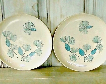"Pair of Ceramic Winter Dinner Plates OVENPROOF with Pine Cones and Boughs: White & Blue. 9 1/2"" diameter Stetson Blue Spruce by Marcrest"
