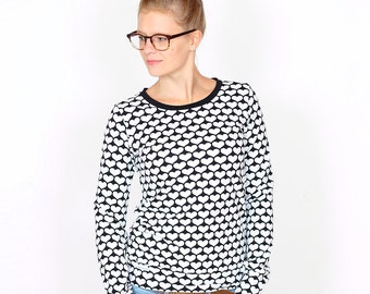 Sweater Wilma / / black with white heart