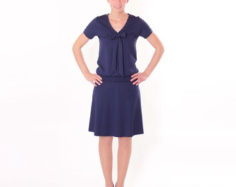 """Dress """"Lore"""" with decorative bow / / dark blue short-sleeved"""