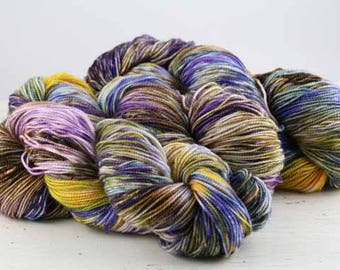 Hand dyed yarn,  80 / 10 / 10%  Super wash Merino / Cashmere / Nylon, sock yarn, 400 yards, 'Cornflower'