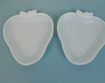 Vintage Pair of Strawberry Shaped Milk Glass Plates, Dishes, Serving Plates, Fruit Plates, Snack Dishes, White Embossed, Set of 2, Shower
