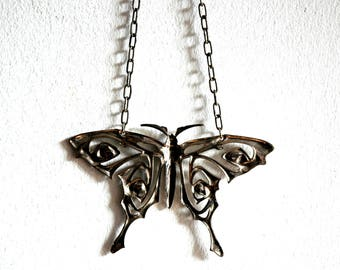 Vintage Large Silver Butterfly Necklace / Vintage Big Butterfly Necklace / 1970's Vintage Pewter Silver Butterfly Chain Statement Necklace