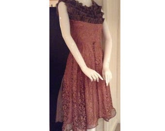 Size 0 lace dress bustle