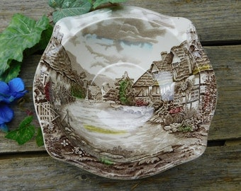 Vintage Johnson Brothers Olde English Countryside Vegetable Serving Bowl