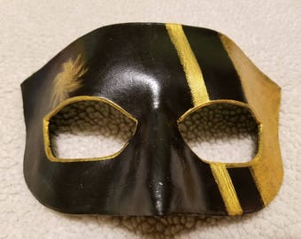 Courtier, Black and Gold