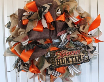 extra large burlap Hunting wreath.  Burlap Hunting decor.  Hunter gift.  Camouflage hunting decor.  Rustic hunting wreath